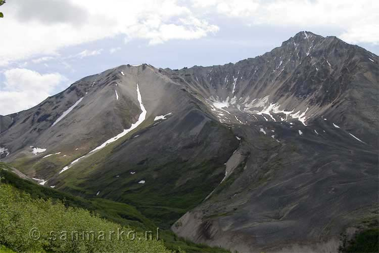 Porphyry Mountain boven Kennicott in Alaska