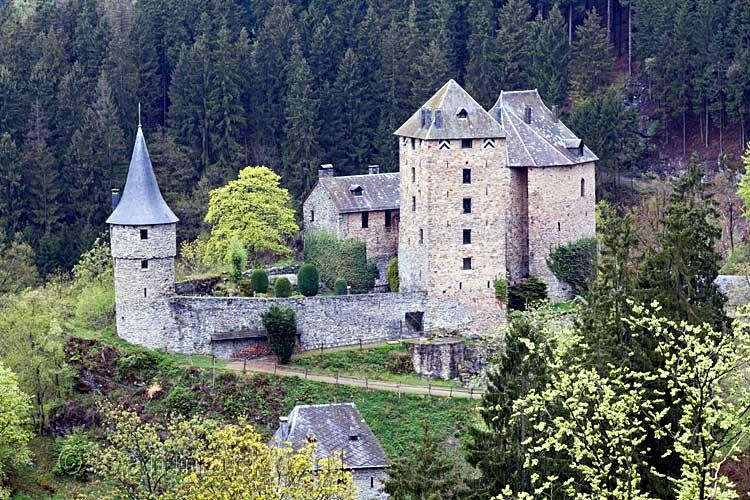 Chateau Reinhardstein Bij Robertville In De Ardennen In