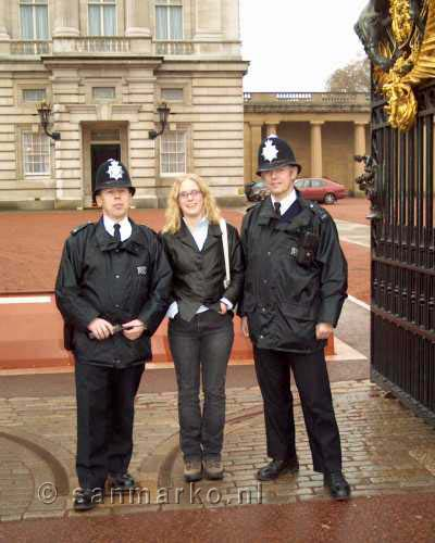Bobbies bij Buckingham Palace